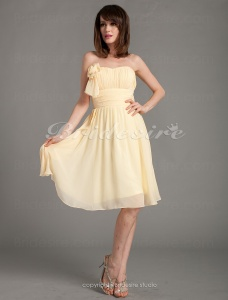 A-line Princess Chiffon Knee-length Sweetheart Bridesmaid Dress