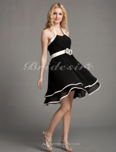 A-line Chiffon Mini/Short Halter Bridesmaid Dress