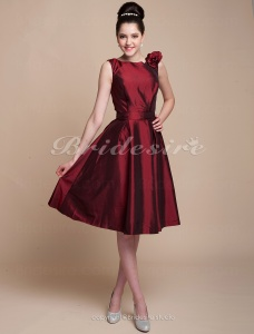 A-line Knee-length Taffeta Bateau Bridesmaid/ Wedding Party Dress