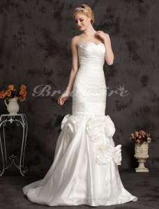 Mermaid/Trumpet Elegant Court Train Satin Strapless Wedding Dress