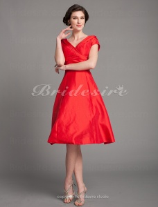 A-line Taffeta Knee-length V-neck Mother Of The Bride Dress