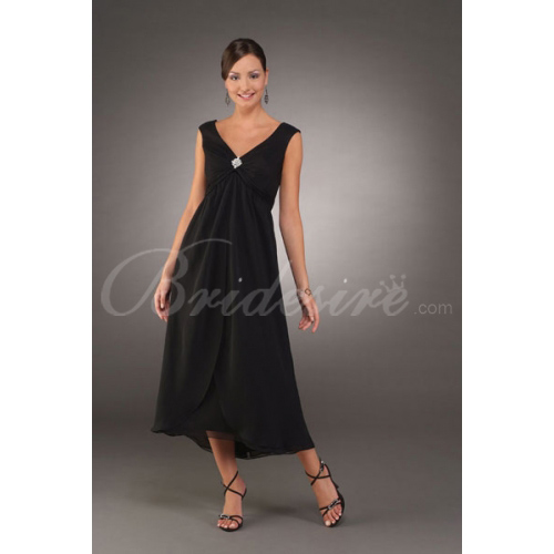 Sleeveless V-neck Tea-length Chiffon Mother of the Bride Dress