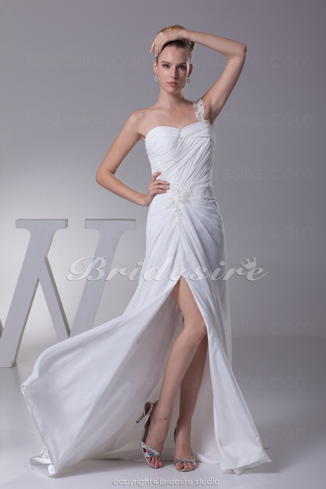 Sheath/Column One Shoulder Court Train Sleeveless Chiffon Weddin