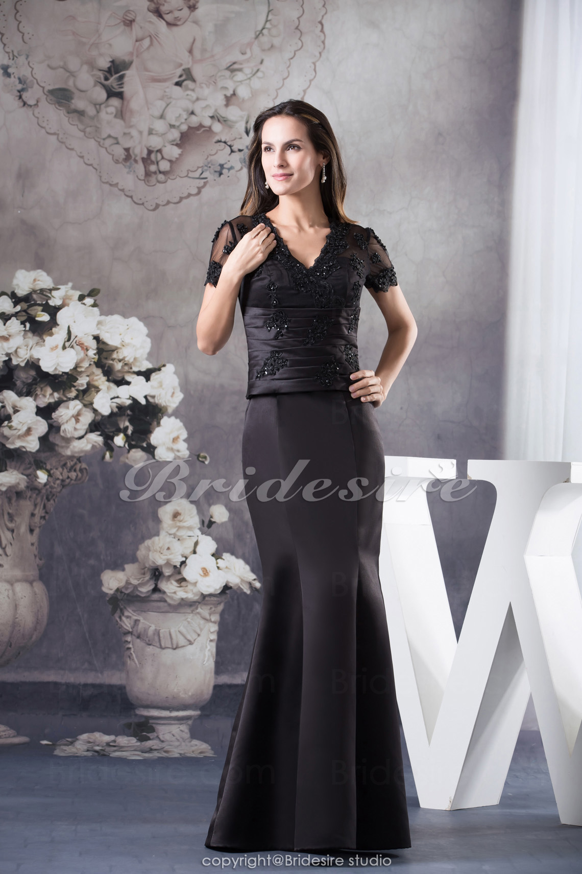 Trumpet/Mermaid V-neck Floor-length Short Sleeve Satin Dress
