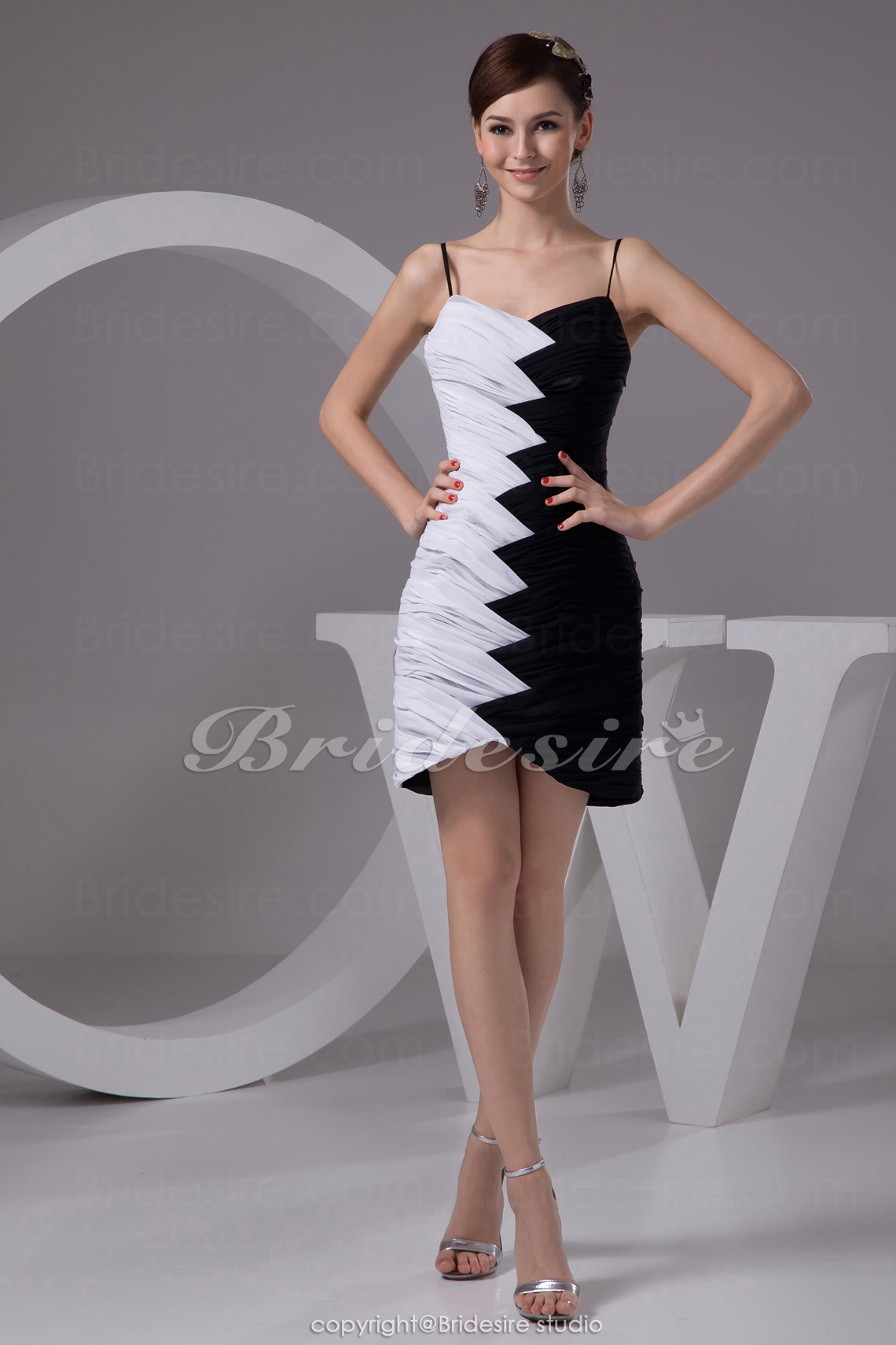 Sheath/Column Sweetheart Spaghetti Straps Short/Mini Sleeveless