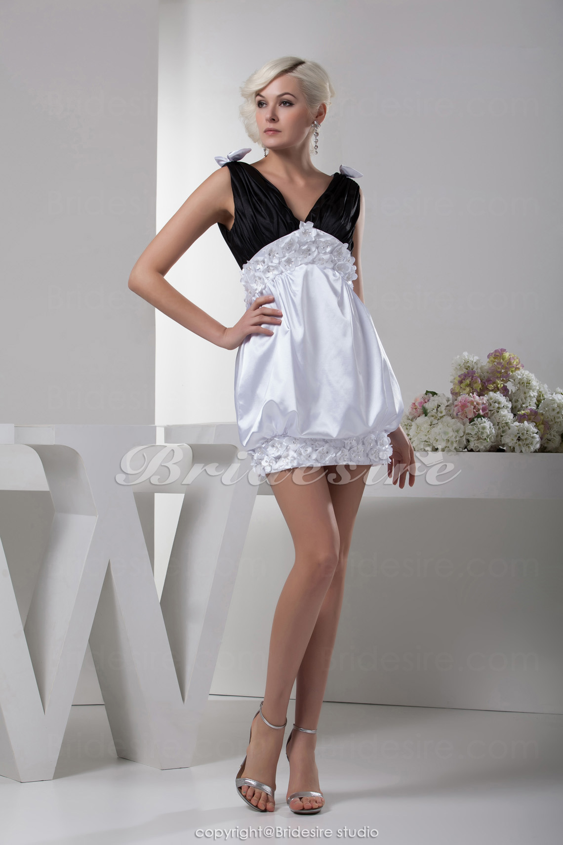 A-line V-neck Short/Mini Sleeveless Elastic Silk-like Satin Dres