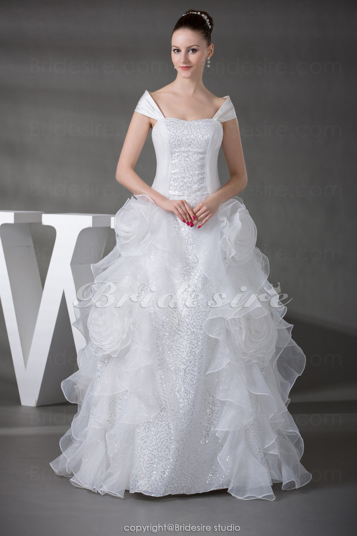 Ball Gown Off-the-shoulder Floor-length Sleeveless Organza Weddi