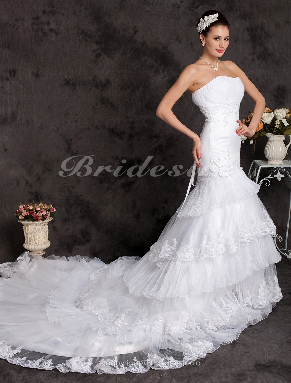 A-line Organza Tiered Chapel Train Sweetheart Wedding Dress