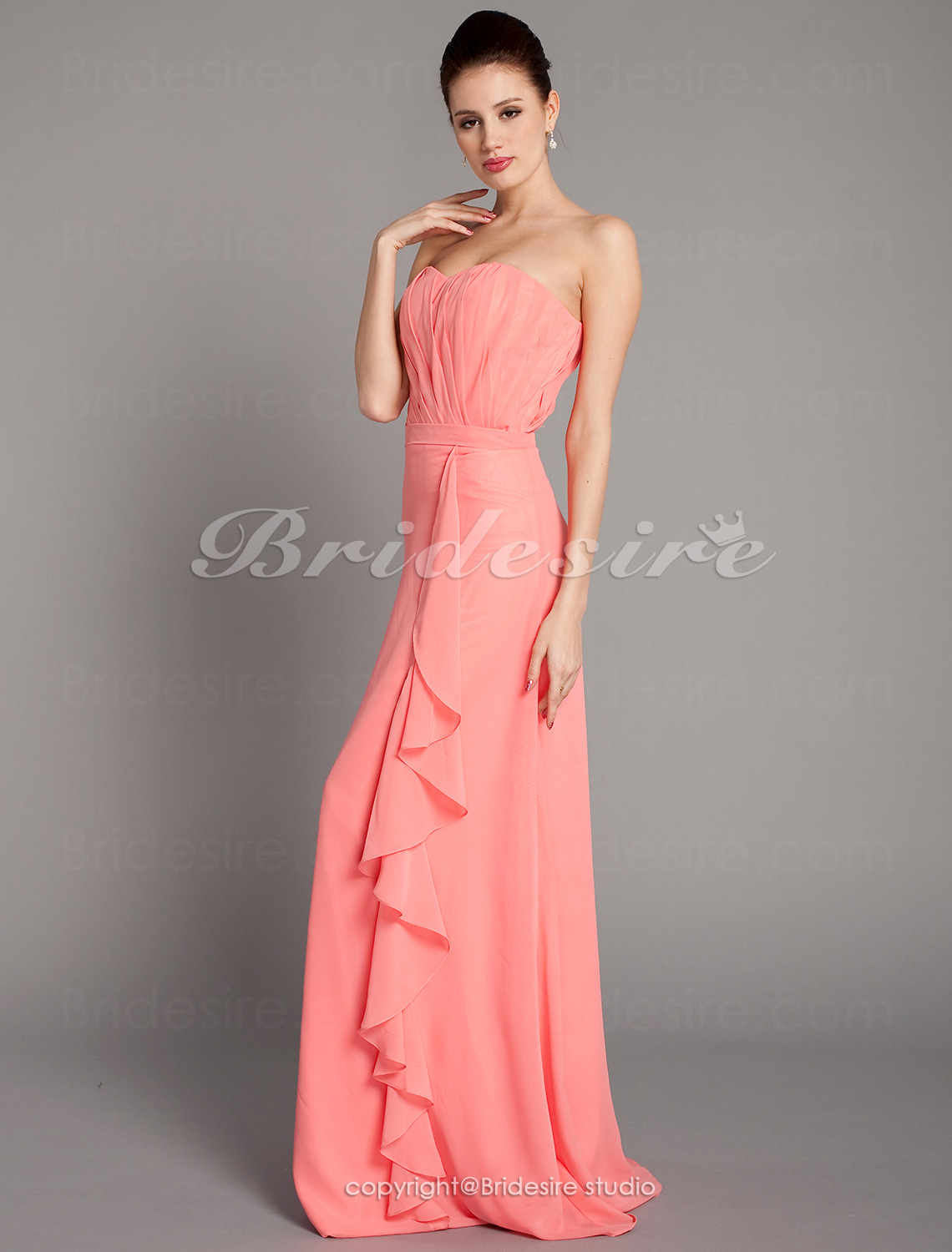Sheath/ Column Chiffon Strapless Side-Draped Floor-length Brides