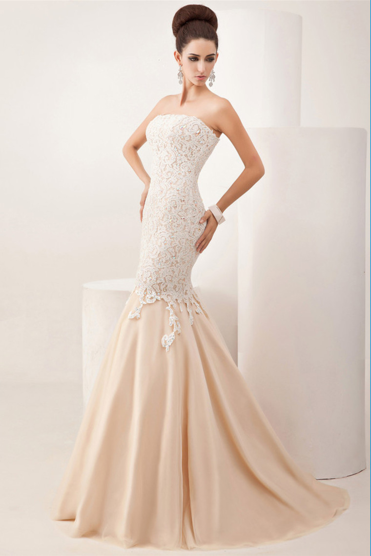 Trumpet/Mermaid Strapless Sweep/Brush Train Lace Tulle Dress