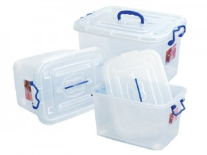 Plastic-Containers-01