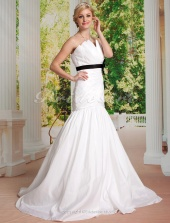 Mermaid/Trumpet Taffeta Court Train Strapless Wedding Dress