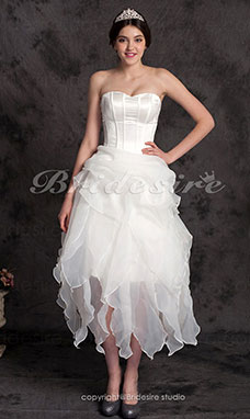 Ball Gown/A-line Asymmetrical Organza Strapless Wedding Dress