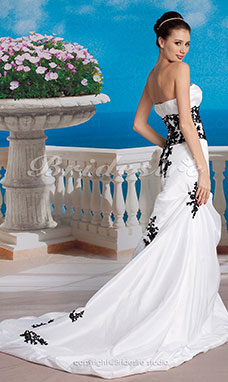 Mermaid/Trumpet Strapless Taffeta Wedding Dresses with Beaded Lace