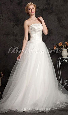 Ball Gown Floor-length Tulle Beading Strapless Wedding Dress