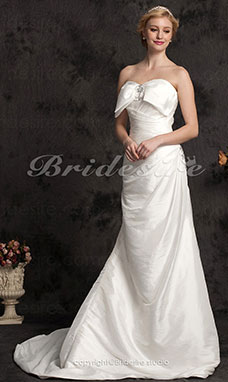 Mermaid/Trumpet Court Train Crystal Taffeta Sweetheart Wedding Dress