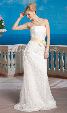 Sheath/Column Lace Sweep/ Brush Train Strapless Wedding Dress