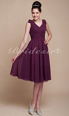 A-line Princess Knee-length Chiffon V-neck Bridesmaid Dress
