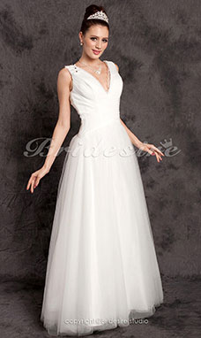 A-line Floor-length Tulle V-neck Wedding Dress