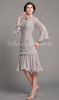 Trumpet/Mermaid Chiffon Knee-length V-neck Mother of the Bride Dress
