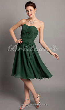 A-line Princess Chiffon Knee-length Sweetheart Strapless Cocktail Dress