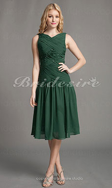 A-line Chiffon Knee-length Bateau Cocktail Dress