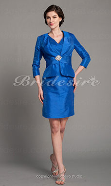 Sheath/Column Taffeta Knee-length V-neck Mother of the Bride Dress With A Wrap