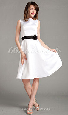 A-line Satin Knee-length Square Bridesmaid Dress