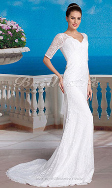 Mermaid /Trumpet Lace Sweep/Brush Train V-neck Wedding Dress