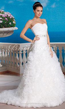 Trumpet/Mermaid Chapel Train Organza And Taffeta Sweetheart Strapless Wedding Dress