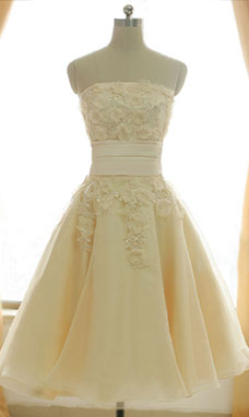 A-line Strapless Knee-length Organza Prom Dress
