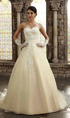 A-line Sweetheart Sweep/Brush Train Organza Wedding Dress