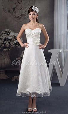 A-line Sweetheart Tea-length Sleeveless Satin Lace Wedding Dress