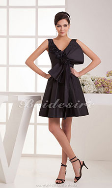 A-line V-neck Knee-length Sleeveless Taffeta Dress