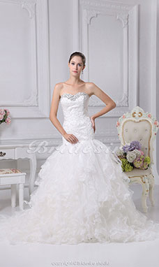 Trumpet/Mermaid Sweetheart Court Train Sleeveless Organza Wedding Dress
