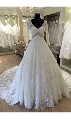 Ball Gown Scalloped-Edge Half Sleeve Lace Wedding Dress