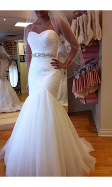 Trumpet/Mermaid Strapless Sleeveless Tulle Wedding Dress