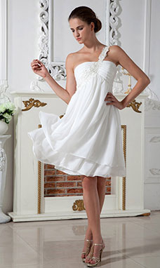 Sheath/Column Strapless Knee-length Taffeta Graduation Dress