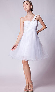Sheath/Column Strapless Asymmetrical Tulle Graduation Dress