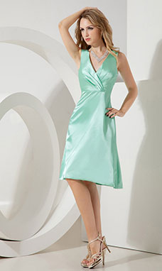 Sheath/Column Scalloped-Edge Short/Mini Satin Graduation Dress