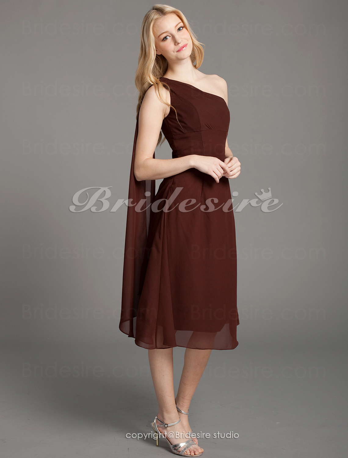 A-line Chiffon One Shoulder Knee-length Sleeveless Bridesmaid Dress