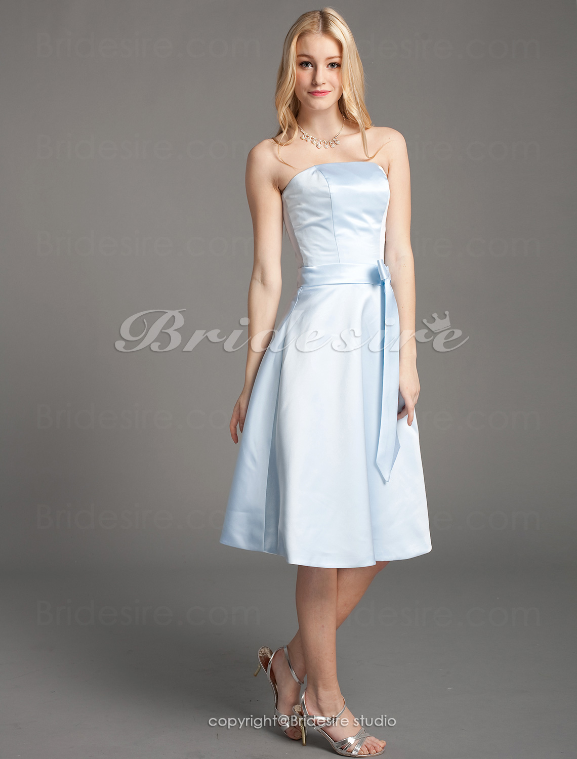 A-line Satin Princess Knee-length Strapless Bridesmaid/ Wedding Party Dress