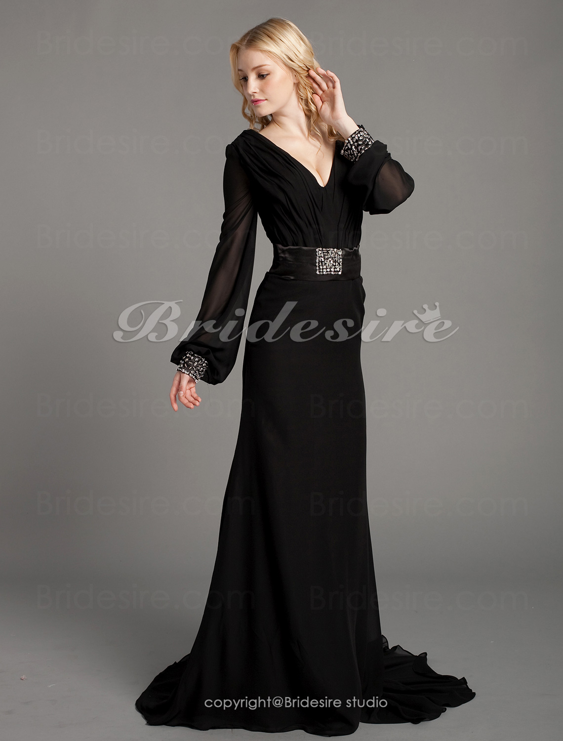Trumpet/Mermaid Chiffon And Stretch Satin Sweep Train V-neck Evening Dress