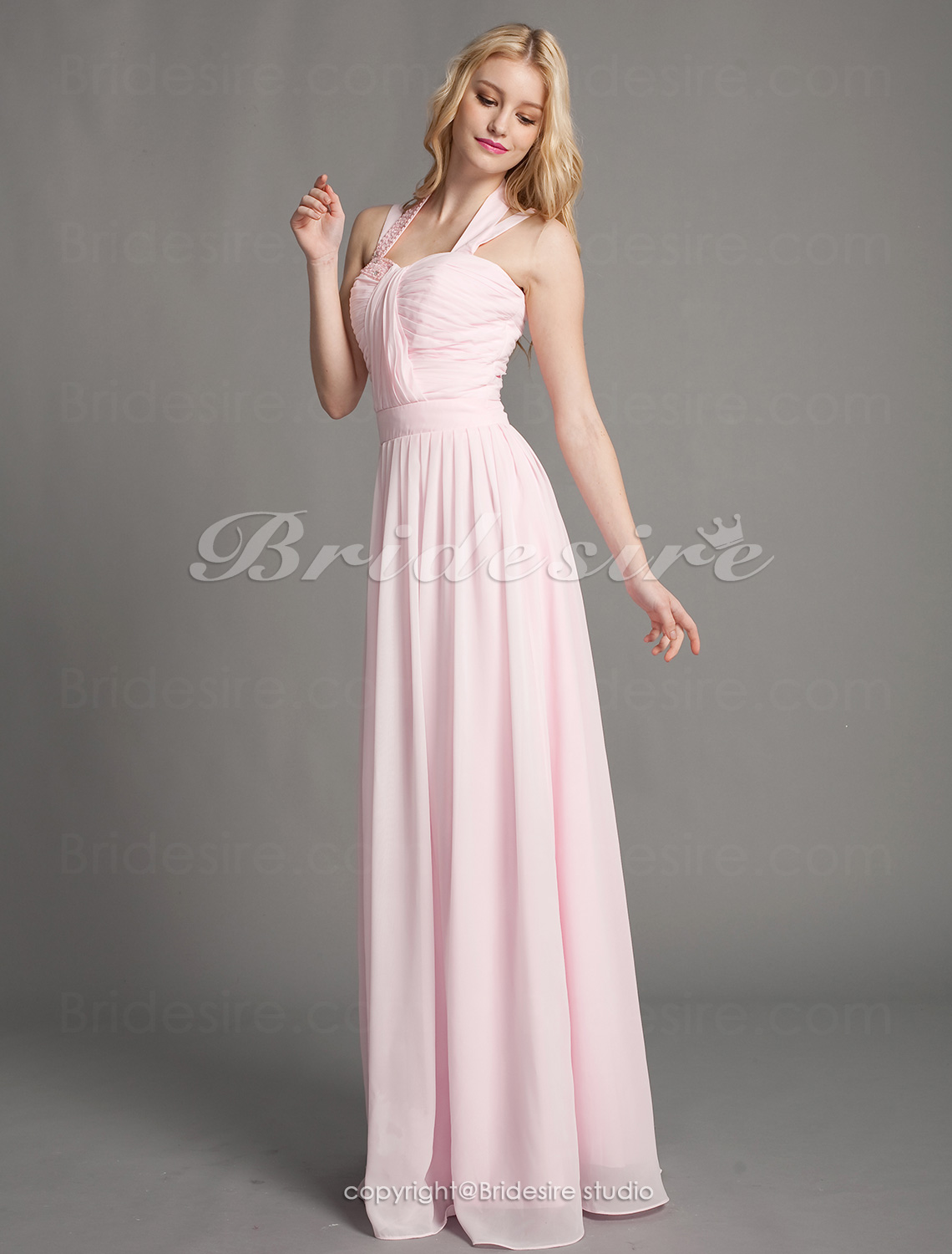 Sheath/ Column Chiffon Floor-length Halter Bridesmaid Dress