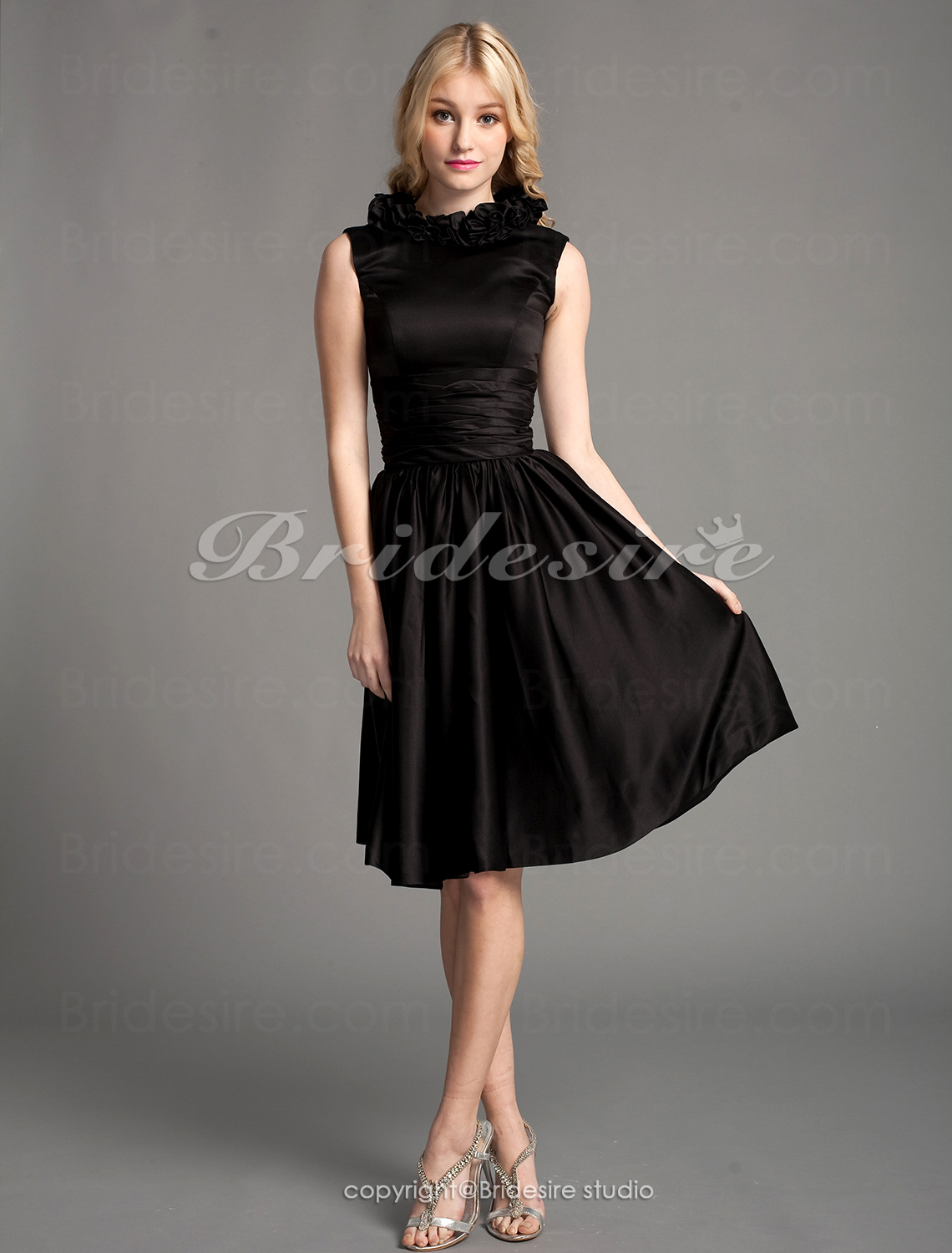 A-line Satin Knee-length Scoop Cocktail Dress
