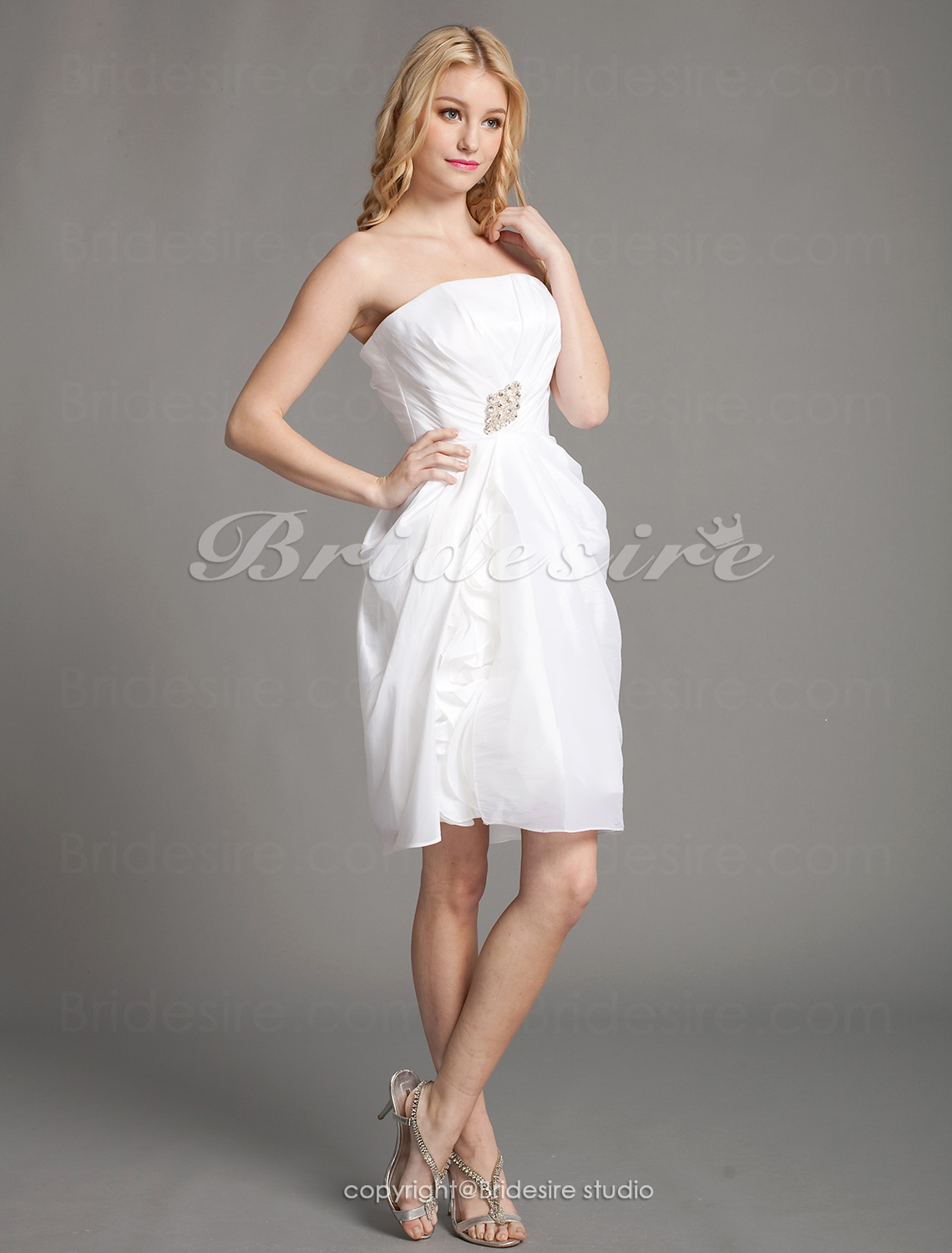Sheath/Column Taffeta Mini/Short Spaghetti Straps Bridesmaid Dress