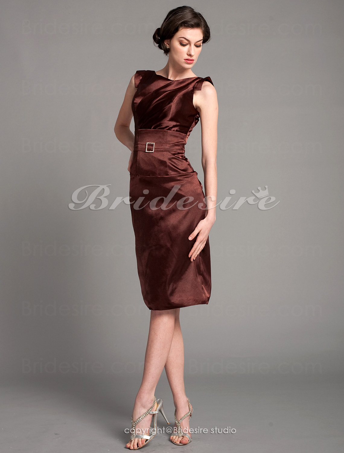 Sheath/ Column Stretch Satin Knee-length Mother of the Bride Dress