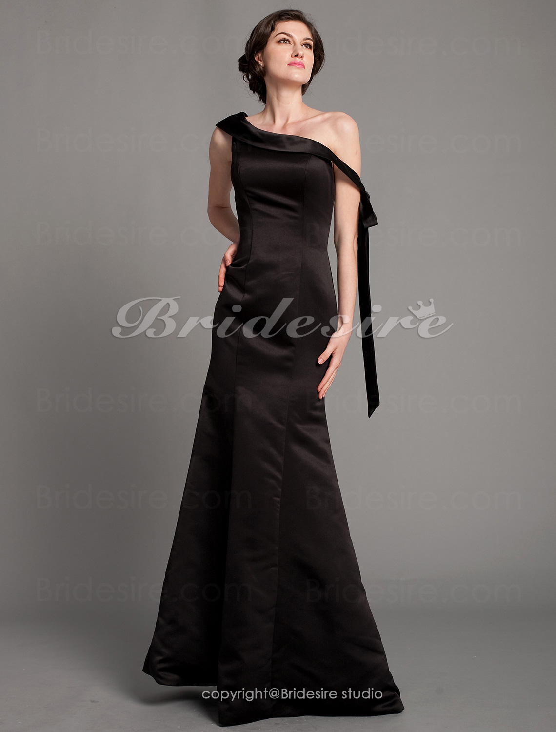 Trumpet/ Mermaid Satin Floor-length Off-the-shoulder Mother of the Bride Dress