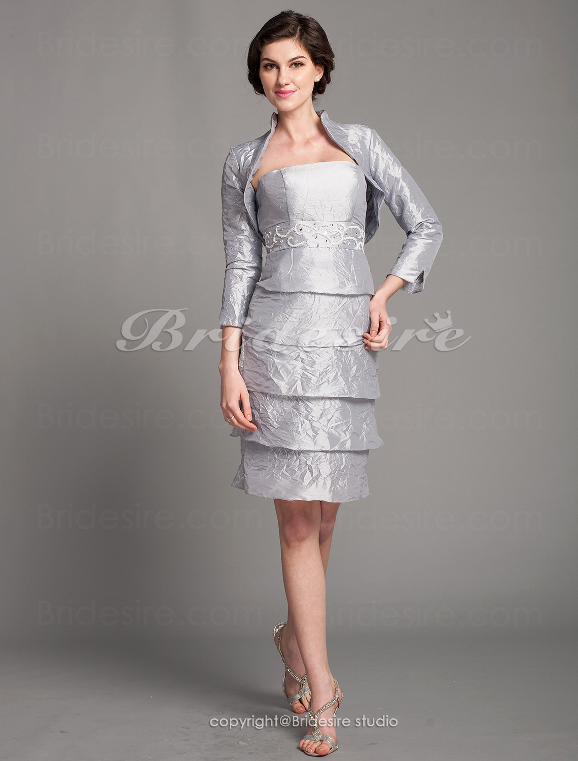 Sheath/Column Taffeta Knee-length Strapless Mother Of The Bride Dress With A Wrap
