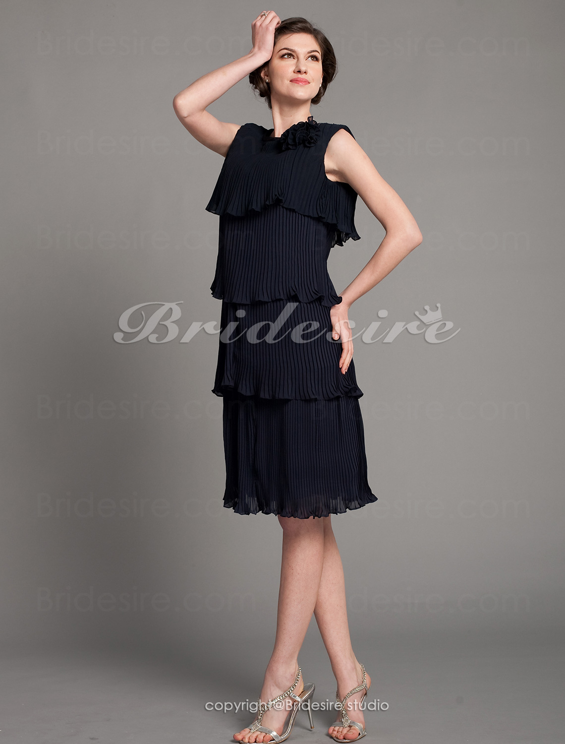 Sheath/ Column Chiffon Knee-length Bateau Mother of the Bride Dress
